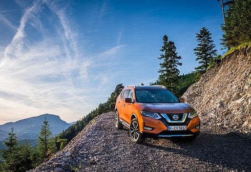 Autoperiskop.cz  – Výjimečný pohled na auta - Nejprodávanější SUV na světě Nissan X-Trail prošlo modernizací – ceny v České republice od 522 400 Kč*