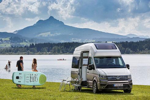 Autoperiskop.cz  – Výjimečný pohled na auta - Volkswagen California XXL slaví světovou premiéru na letošním veletrhu Caravan Salon v Düsseldorfu (26. srpna až 3. září 2017) studii velkého sourozence populárního modelu California