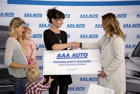 Autoperiskop.cz  – Výjimečný pohled na auta - AAA AUTO po čtvrtstoletí na trhu přivítalo dvoumiliontého zákazníka