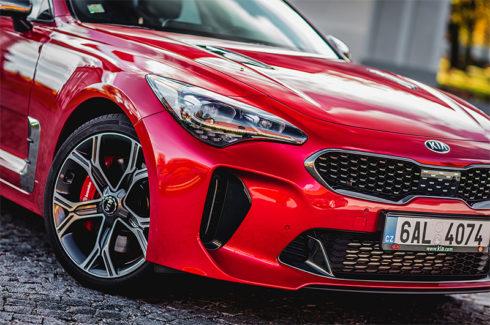 Autoperiskop.cz  – Výjimečný pohled na auta - Nová Kia Stinger byla zařazena do užšího výběru prestižního ocenění evropské Auto roku