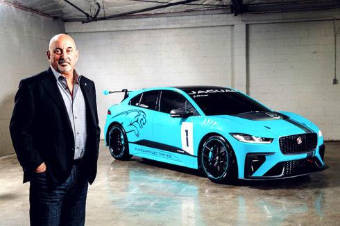 Autoperiskop.cz  – Výjimečný pohled na auta - Značka Jaguar představila v Los Angeles nejrychlejší sedan na světě –  Jde o nejlepší čas v kategorii sériově vyráběných vozů s karoserií sedan