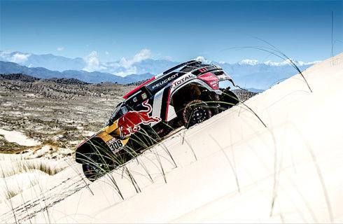 Autoperiskop.cz  – Výjimečný pohled na auta - Peugeot na Dakaru po 10.etapě na prvních dvou místech celkového pořadí