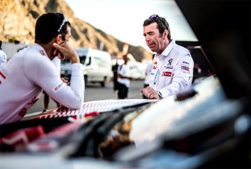Autoperiskop.cz  – Výjimečný pohled na auta - PEUGEOTy 3008DKR Max po  13.etapě Rallye Dakaru 2018 Sainz/Cruz přesvědčivě vedou