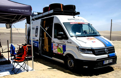 Autoperiskop.cz  – Výjimečný pohled na auta - Nový Volkswagen Crafter 4Motion úspěšně čelil nástrahám letošní drsné Rallye Dakar, která o víkendu skončila