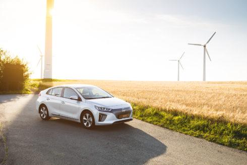 Autoperiskop.cz  – Výjimečný pohled na auta - IONIQ Electric obsadil první místo v hodnocení ADAC EcoTest 2017