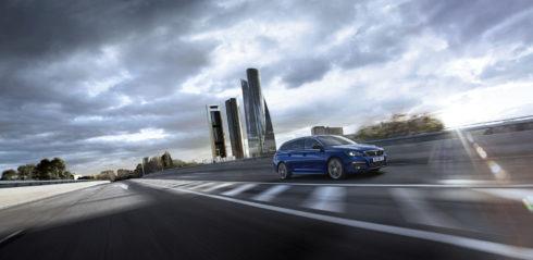 Autoperiskop.cz  – Výjimečný pohled na auta - Nový Peugeot 308: osmistupňová technologická ofenzíva