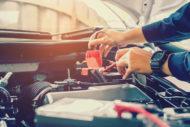 Autoperiskop.cz  – Výjimečný pohled na auta - Zima ještě nekončí a může ohrozit vaši autobaterii. Jak ji správně zkontrolovat a dobít?