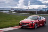 Autoperiskop.cz  – Výjimečný pohled na auta - Tři desítky prodaných vozů KIA Stinger: červený šestiválec kraluje