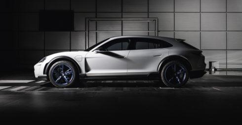 Autoperiskop.cz  – Výjimečný pohled na auta - Porsche si urovnává cestu do budoucnosti značnými investicemi
