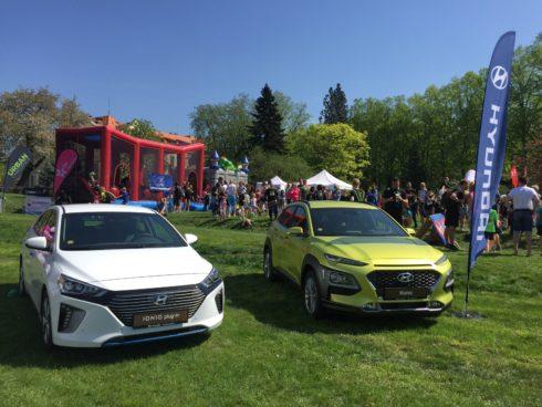 Autoperiskop.cz  – Výjimečný pohled na auta - Vozy Hyundai podpořily běžce na Urban Challenge