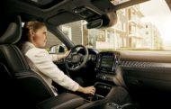 Autoperiskop.cz  – Výjimečný pohled na auta - Automobilka Volvo Cars se chystá integrovat do své příští generace infotainment systému služby Google Assistant, Google Play Store a Google Maps