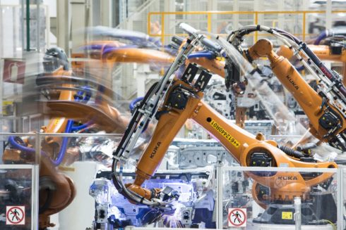 Autoperiskop.cz  – Výjimečný pohled na auta - Choreografie s 2000 roboty
