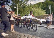 Autoperiskop.cz  – Výjimečný pohled na auta - ŠKODA AUTO slaví 100 let republiky rekordem, do Lví stopy se vydaly stovky cyklistů