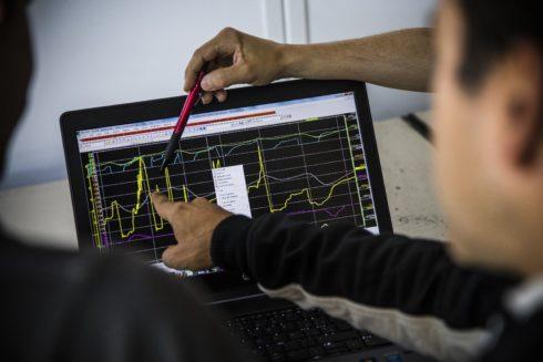 Autoperiskop.cz  – Výjimečný pohled na auta - Jordi Gené uskutečnil první dynamický test závodního vozu CUPRA e-Racer