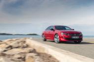 Autoperiskop.cz  – Výjimečný pohled na auta - Vlajková loď značky Peugeot zakotví na Vltavě
