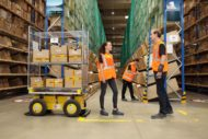 Autoperiskop.cz  – Výjimečný pohled na auta - DHL Supply Chain testuje v Jažlovicích spolupracujícího robota