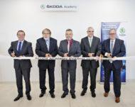 Autoperiskop.cz  – Výjimečný pohled na auta - ŠKODA AUTO otevírá v závodě Kvasiny nové vzdělávací centrum