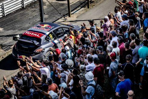 Autoperiskop.cz  – Výjimečný pohled na auta - Vzrušující a náročné vystoupení Teamu Peugeot Total na domácí půdě ve Francii
