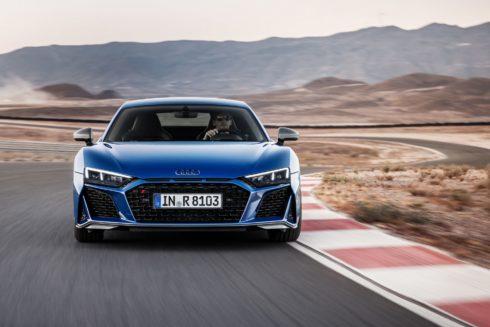 Autoperiskop.cz  – Výjimečný pohled na auta - Audi R8, nejrychlejší model značky, je po rozsáhlé modernizaci ještě ostřejší