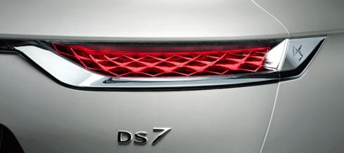 Autoperiskop.cz  – Výjimečný pohled na auta - DS 7 CROSSBACK E-TENSE 4×4: VYSOCE VÝKONNÝ HYBRID BY DS