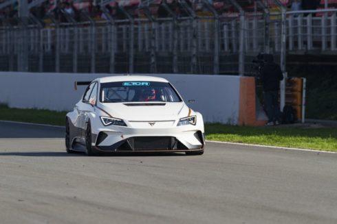 Autoperiskop.cz  – Výjimečný pohled na auta - Z 0 na 100 km/h za 3,2 sekundy: CUPRA otvírá novou cestu v mistrovství TCR