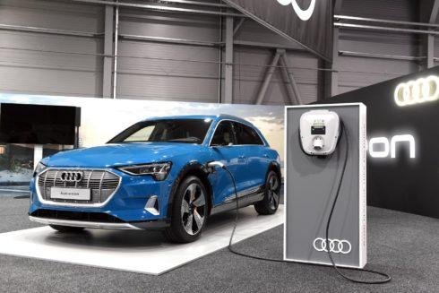Autoperiskop.cz  – Výjimečný pohled na auta - Nové Audi e-tron se poprvé představí české veřejnosti na e-Salonu v Letňanech