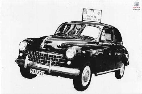 Autoperiskop.cz  – Výjimečný pohled na auta - SEAT 1400: První vozidlo SEAT slaví 65. výročí