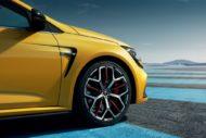 Autoperiskop.cz  – Výjimečný pohled na auta - Nový Mégane R.S. Trophy posouvá limity  s pneumatikami Potenza S001 a S007