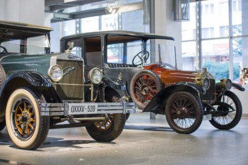 Autoperiskop.cz  – Výjimečný pohled na auta - ŠKODA Muzeum: Rekordní návštěvnost a nová výstava Studentské vozy snů