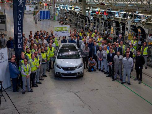 Autoperiskop.cz  – Výjimečný pohled na auta - Bestseller Peugeot 2008 slaví milion