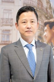 Autoperiskop.cz  – Výjimečný pohled na auta - Novým prezidentem společnosti Hyundai Motor Czech (HMCZ) byl jmenován pan Yongjin (Alex) Kim. Svou funkci začne vykonávat od 20. února 2019.