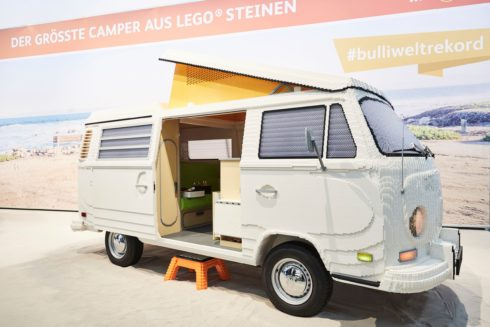 Autoperiskop.cz  – Výjimečný pohled na auta - Premiéra na veletrhu f.re.e v Mnichově: T2 sestavený ze 400 000 kostek LEGO
