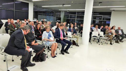 Autoperiskop.cz  – Výjimečný pohled na auta - Na Porsche ČR se setkali rakouští podnikatelé s ministryní průmyslu a obchodu Novákovou