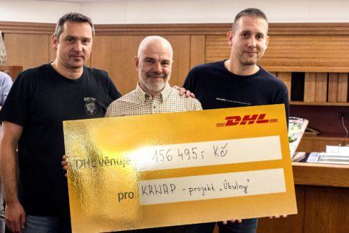 Autoperiskop.cz  – Výjimečný pohled na auta - Společnost DHL podpořila dopravu a instalaci útulen v Krkonoších