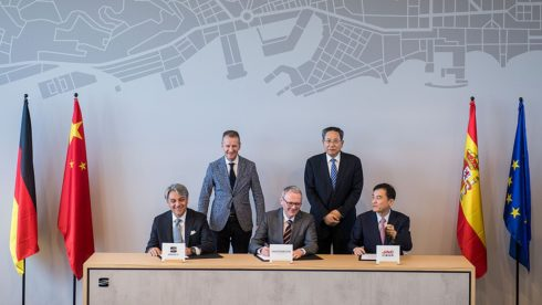 Autoperiskop.cz  – Výjimečný pohled na auta - Koncern Volkswagen stupňuje své aktivity v Číně uvedením značky SEAT na trh a projektem Smart City