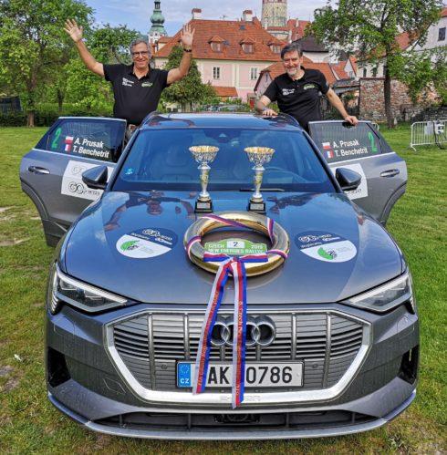 Autoperiskop.cz  – Výjimečný pohled na auta - Elektrické SUV Audi e-tron ovládlo Czech New Energies Rallye 2019 v Českém Krumlově