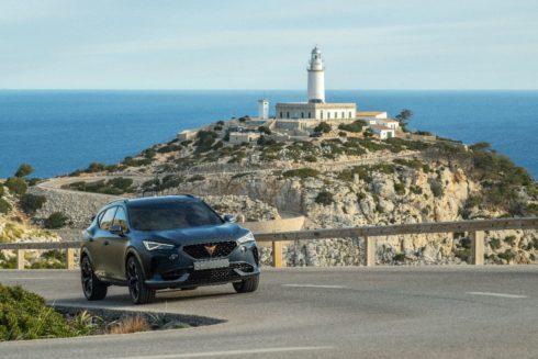 Autoperiskop.cz  – Výjimečný pohled na auta - Formentor na poloostrově Formentor: Maják CUPRA