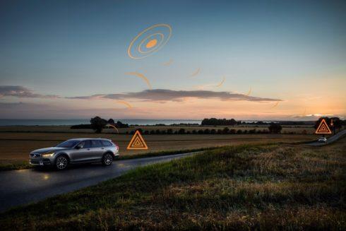 Autoperiskop.cz  – Výjimečný pohled na auta - Volvo Cars se připojuje k průkopnickému všeevropskému pilotnímu projektu, jehož smyslem je sdílení bezpečnostních informací