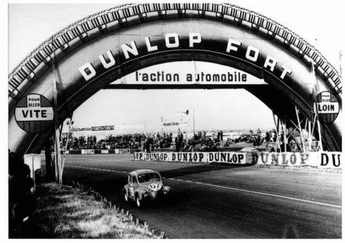 Autoperiskop.cz  – Výjimečný pohled na auta - Tři grandiózní červnové závody značky Dunlop – maximální výkony, zápal a triumfy
