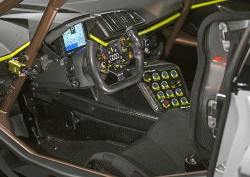 Autoperiskop.cz  – Výjimečný pohled na auta - Audi R8 LMS GT2 oslavilo premiéru na Festivalu rychlosti v Goodwoodu
