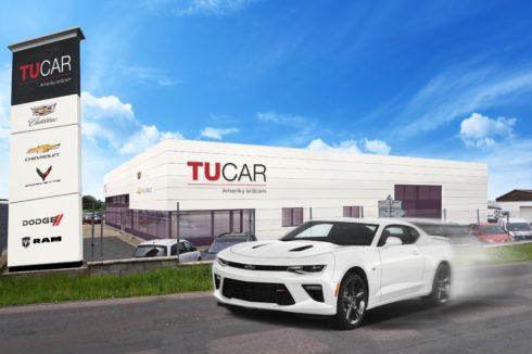 Autoperiskop.cz  – Výjimečný pohled na auta - TUCAR ozdobí náplavku americkými hvězdami