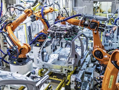 Autoperiskop.cz  – Výjimečný pohled na auta - ŠKODA AUTO během léta zmodernizovala a rozšířila výrobní provozy, připravuje se na elektromobilitu