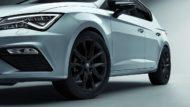 Autoperiskop.cz  – Výjimečný pohled na auta - SEAT nabízí pro úspěšný model Leon zvýhodněný paket FR Black Matt