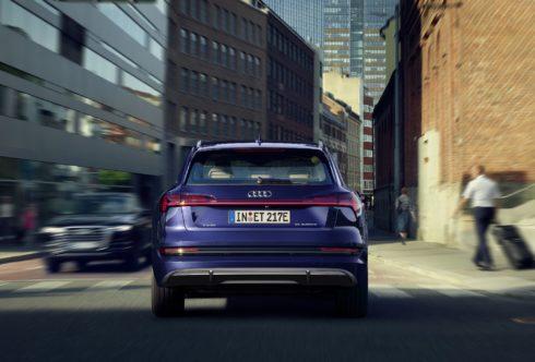 Autoperiskop.cz  – Výjimečný pohled na auta - Ještě vyšší hospodárnost a delší dojezd: Technická modernizace pro Audi e-tron