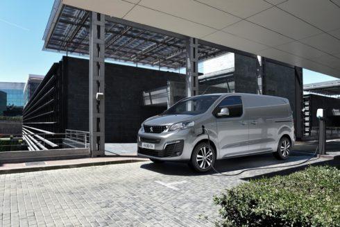 Autoperiskop.cz  – Výjimečný pohled na auta - NOVÝ PEUGEOT e-EXPERT