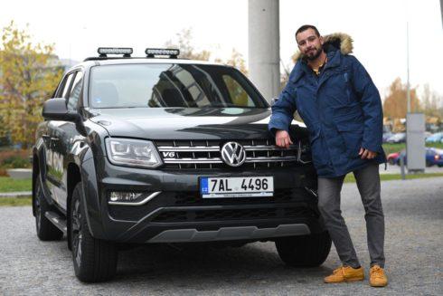 Autoperiskop.cz  – Výjimečný pohled na auta - Volkswagen Amarok Dark Label vozí hrdinu