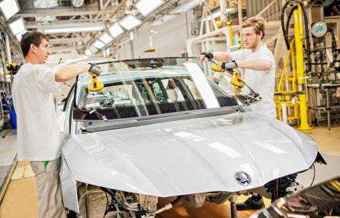 Autoperiskop.cz  – Výjimečný pohled na auta - Sériová výroba nové generace modelu ŠKODA OCTAVIA v Mladé Boleslavi zahájena