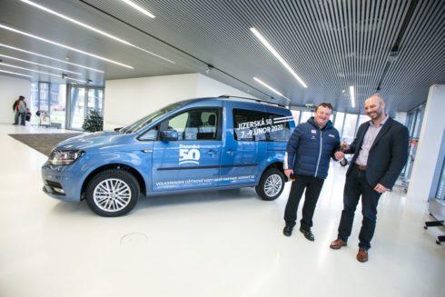Autoperiskop.cz  – Výjimečný pohled na auta - Volkswagen Caddy ve službách Jizerské 50