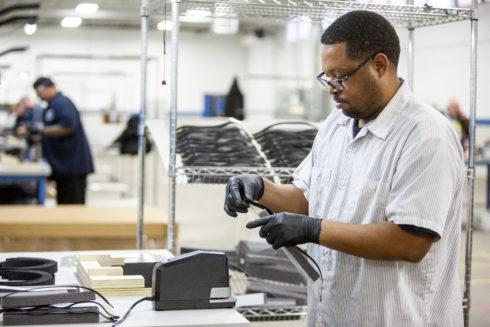 Autoperiskop.cz  – Výjimečný pohled na auta - Ford se bude spolu s 3M, GE a UAW podílet na výrobě respirátorů a plicních ventilátorů