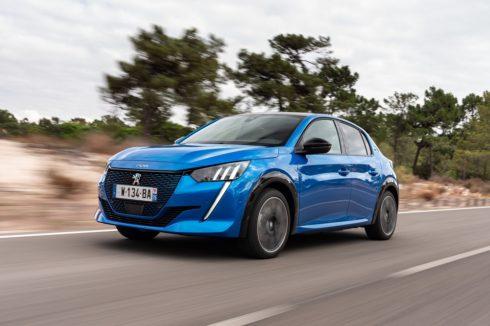 """Autoperiskop.cz  – Výjimečný pohled na auta - Šest vozů Peugeot s titulem """"Car Of The Year"""", které poznamenaly svou éru i historii automobilového odvětví"""